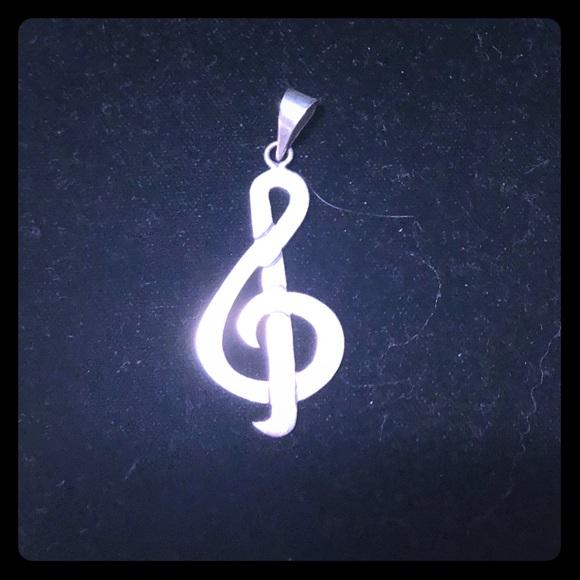 Jewelry - Treble clef silver charm